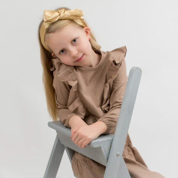 Amalie 5   BA Chestnut brun glitter kjole med flæser