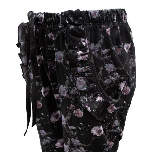 CR1 7700 Edit | AW19 Saga Teen Baggy Pants i black flowerprint