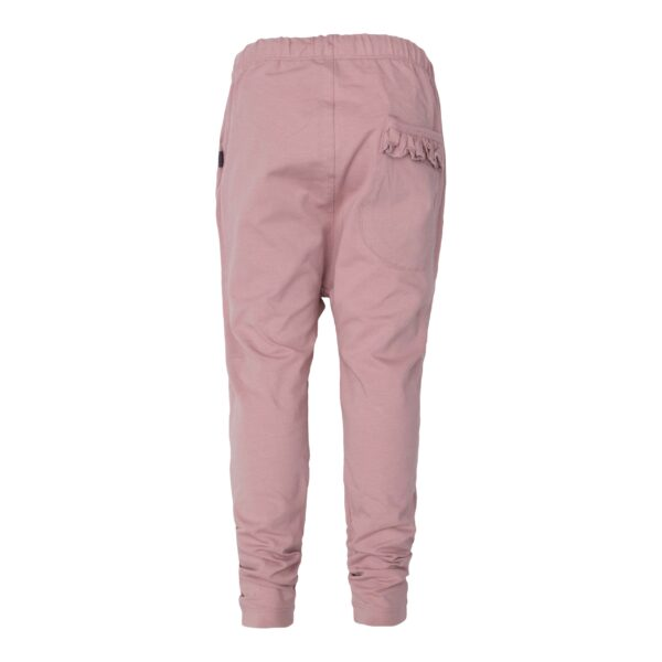 CR1 7809 Edit scaled | Saga Teen Baggy Pants i støvet rosa jersey