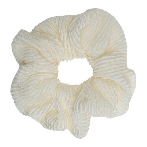 CR1 7884 removebg preview   Scrunchie i creme farvet plissé stof fra Little Wonders