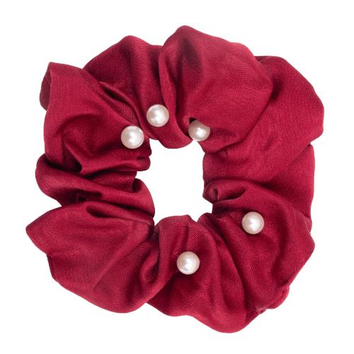 CR1 7986 Edit removebg preview 1 | Satin rød Scrunchie med perler